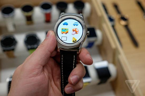 谷歌抢在苹果手表开售前升级Android Wear