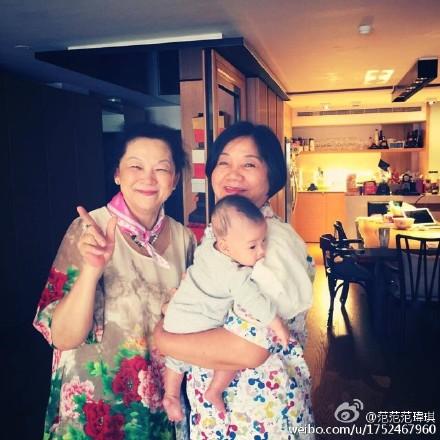 范玮琪妈妈和黑人妈妈