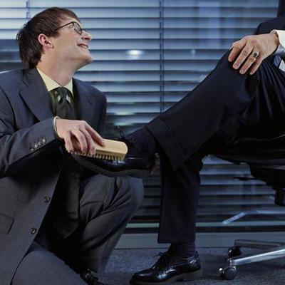 事業測試:升職加薪你靠能力or跪舔(圖)圖片