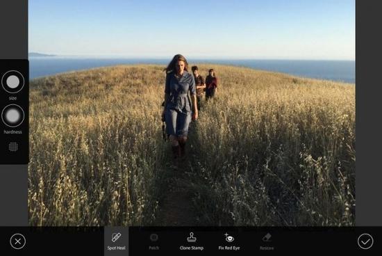 Adobe将发布iOS版Photoshop 功能接近桌面版