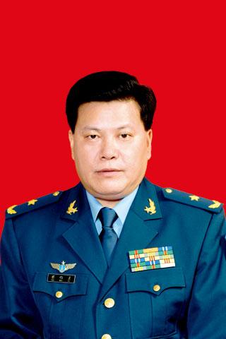 蔡伟素少将任西部战区空军副参谋长(图/简历)空军战区成都军区