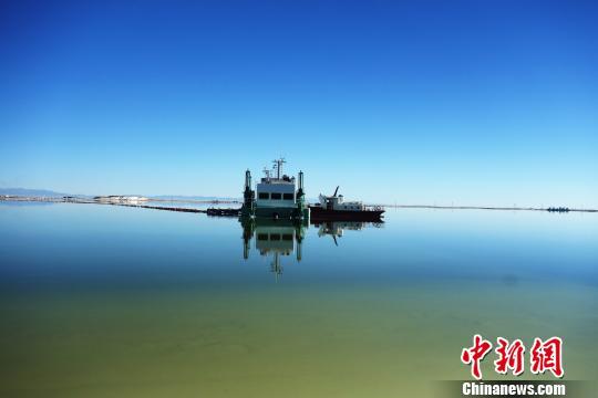 青海企业发出首列铁海联运班列