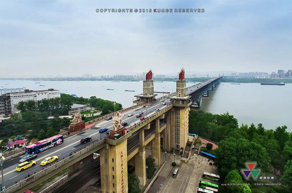 大桥的一日十次_南京长江大桥今日正式恢复通行,手绘视频回忆50年大桥故事 ...