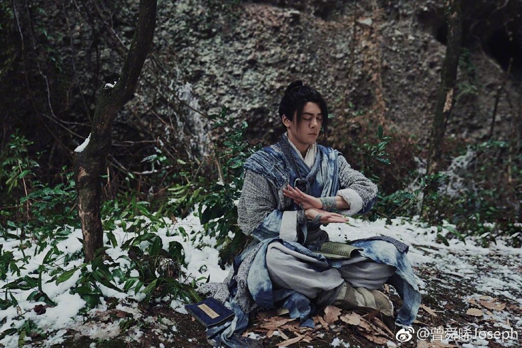 曾舜晞回应新版《倚天屠龙记》争议,承认表演不纯熟