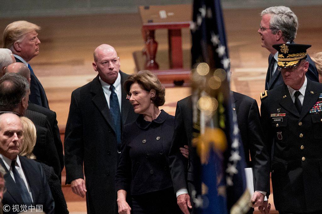 ▲当地时间2018年12月5日,美国华盛顿,美国前总统老布什的国葬仪式在华盛顿国家大教堂举走,多国政要名人出席。图/视觉中国