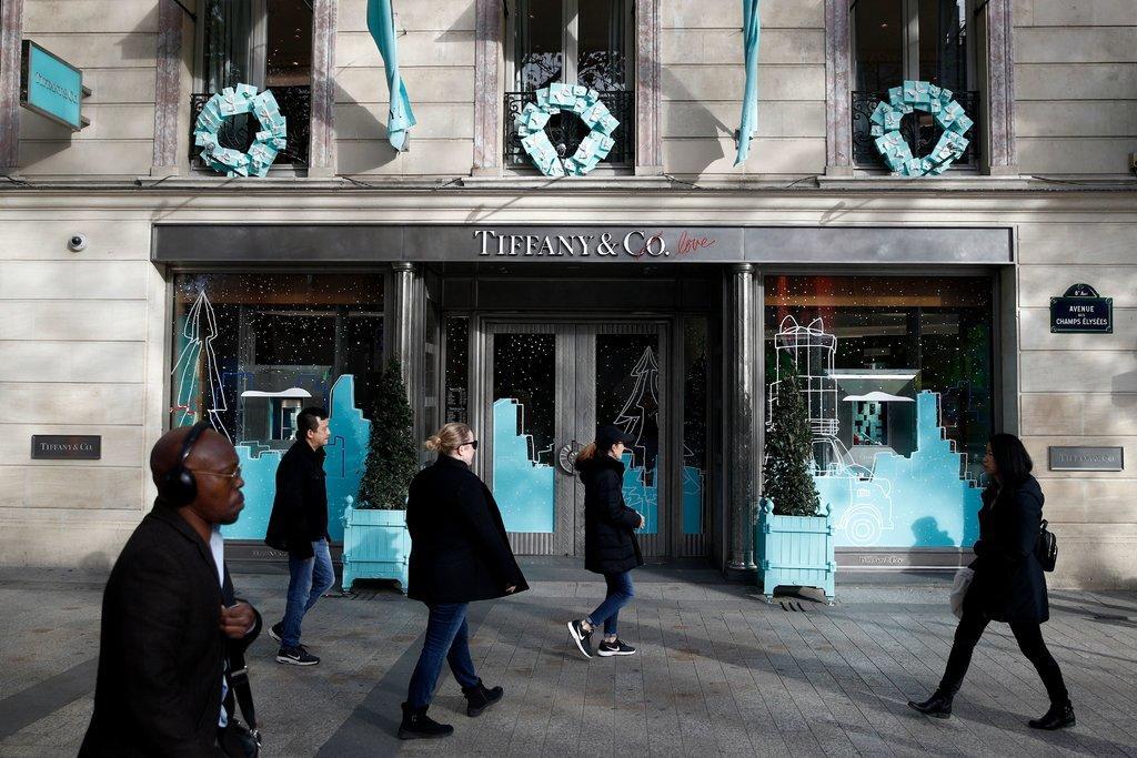 162亿美元买下Tiffany 这个男人将成新世界首富?