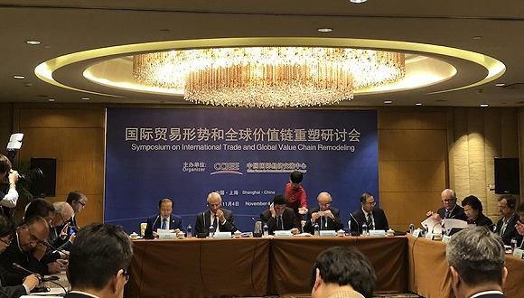 进博会让来自世界各地的企业汇聚一堂,彰显中国开放决心