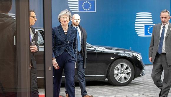 2019年2月7日,比利时布鲁塞尔,英国首相特蕾莎·梅抵达欧盟总部。