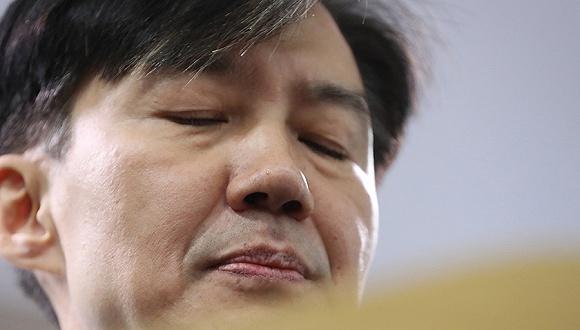 韩国法务部长官曹国宣布辞职:不再给总统添麻烦