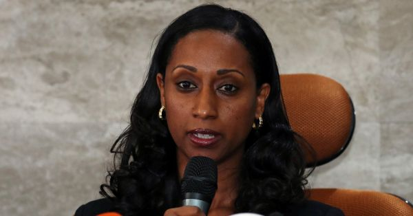 资料图片:4月4日,埃塞俄比亚交通部长莫格斯就埃航空难调查初步报告答记者问。(路透社)