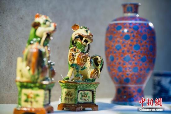 资料图:入藏中国国家南海博物馆的海外文物。 中新社记者 骆云飞 摄