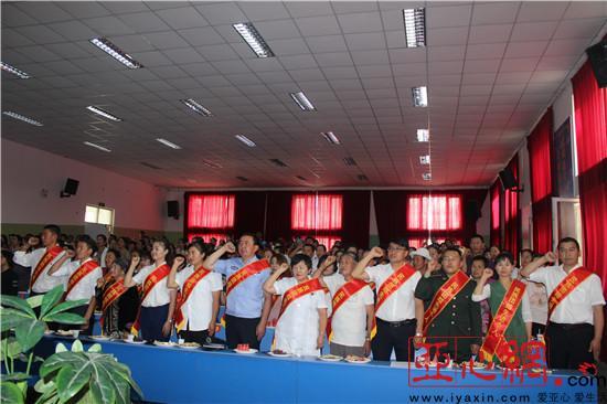 """新疆和布克赛尔县开展""""手拉手·心连心·民族团结一家亲""""融情活动"""
