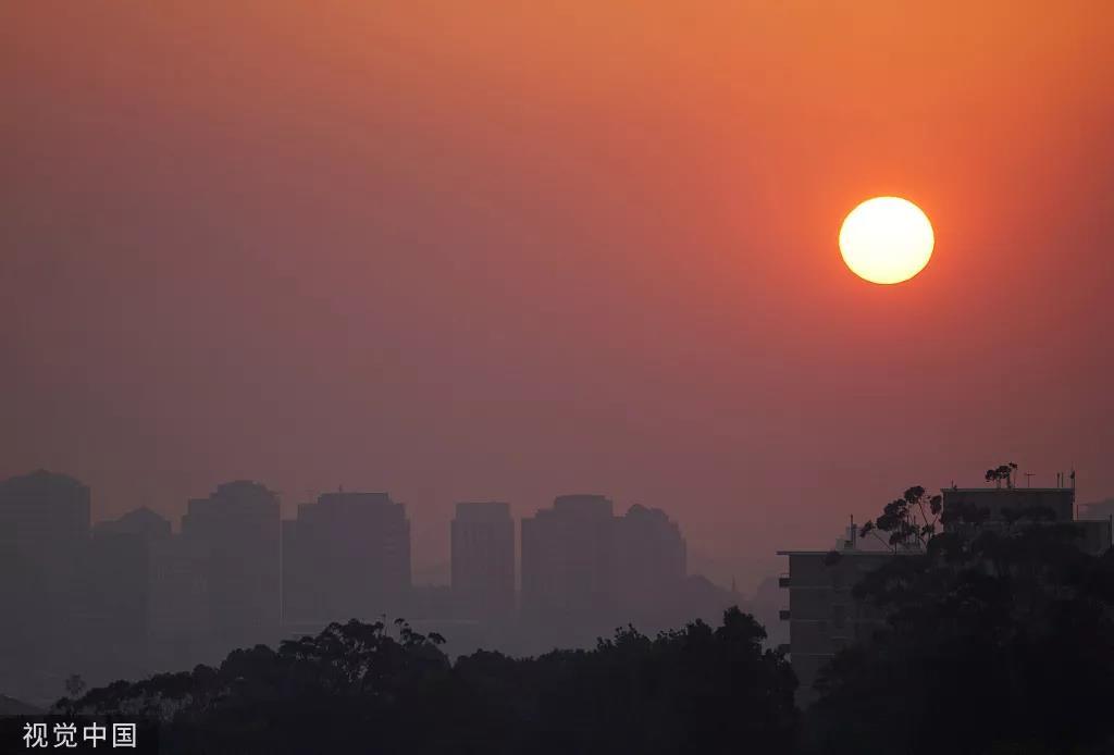 澳大利亚山火肆虐致空气重度污染。图/视觉中国