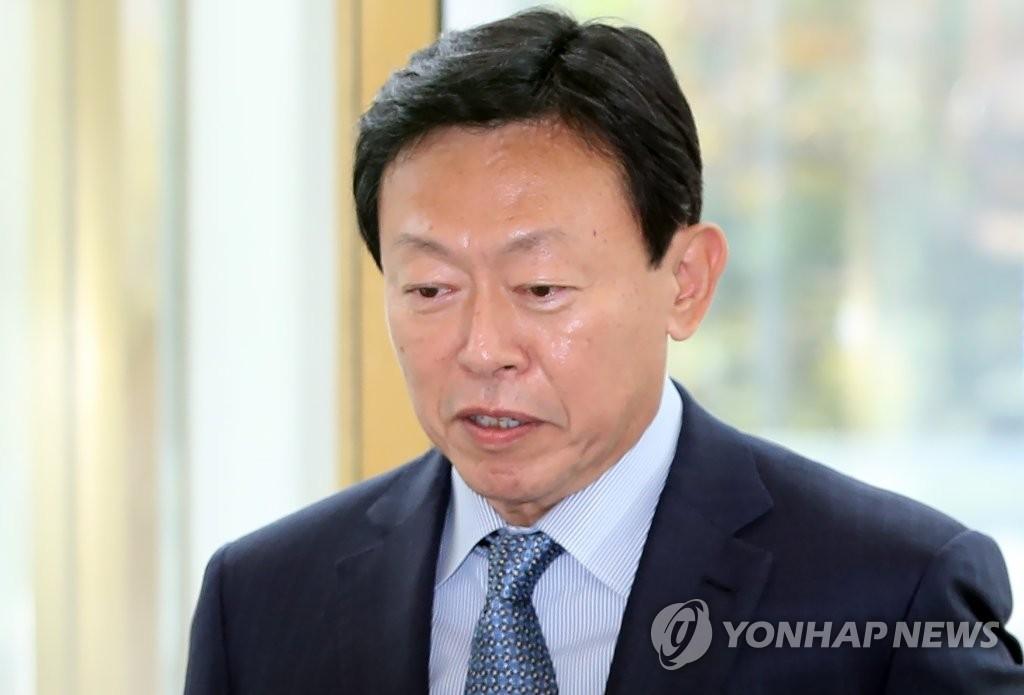 韩国乐天集团会长行贿案终审宣判:维持缓刑原判