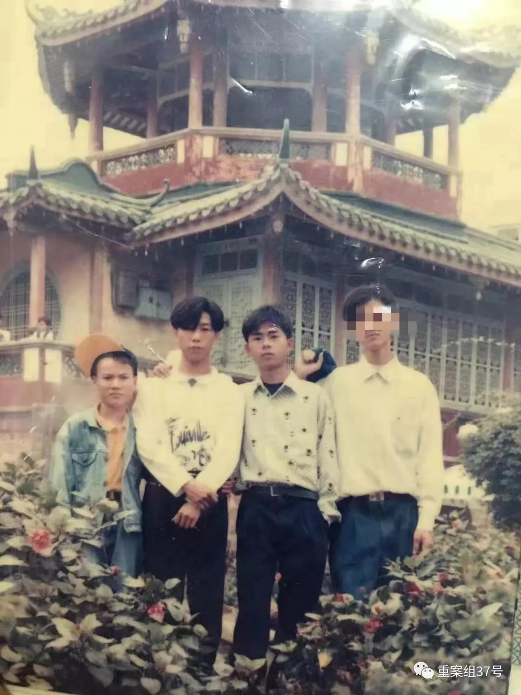 林晓明、林卫东、林浩平等人年轻时相符影。受访者供图