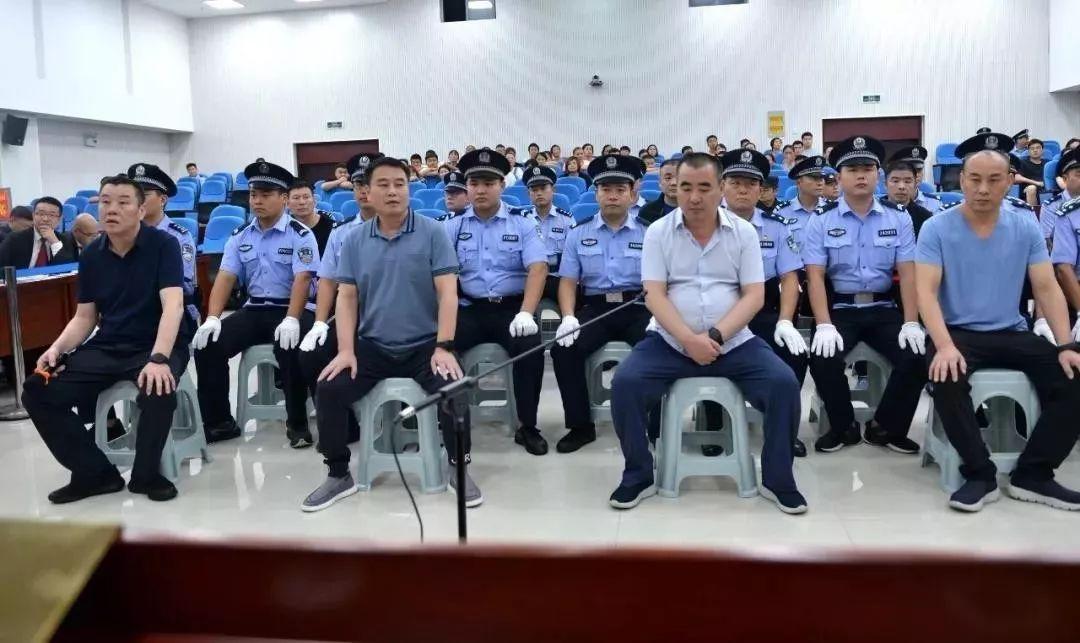 从左到右:刘兆水、刘兆本、刘兆刚、刘兆安