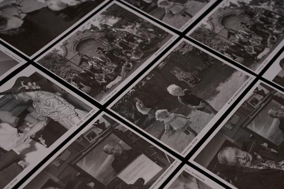 《十问:霍金沉思录》书中所赠霍金相关照片。