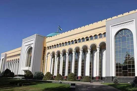 乌兹别克斯坦交际部大楼外景