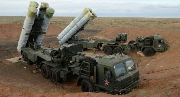 资料图片:俄军S-400远程防空系统。(图片来源于网络)