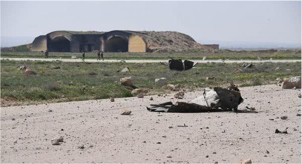 """资料图片:资料图:遭美军""""战斧""""巡航导弹攻击的叙利亚谢拉特空军基地(俄罗斯卫星网)"""