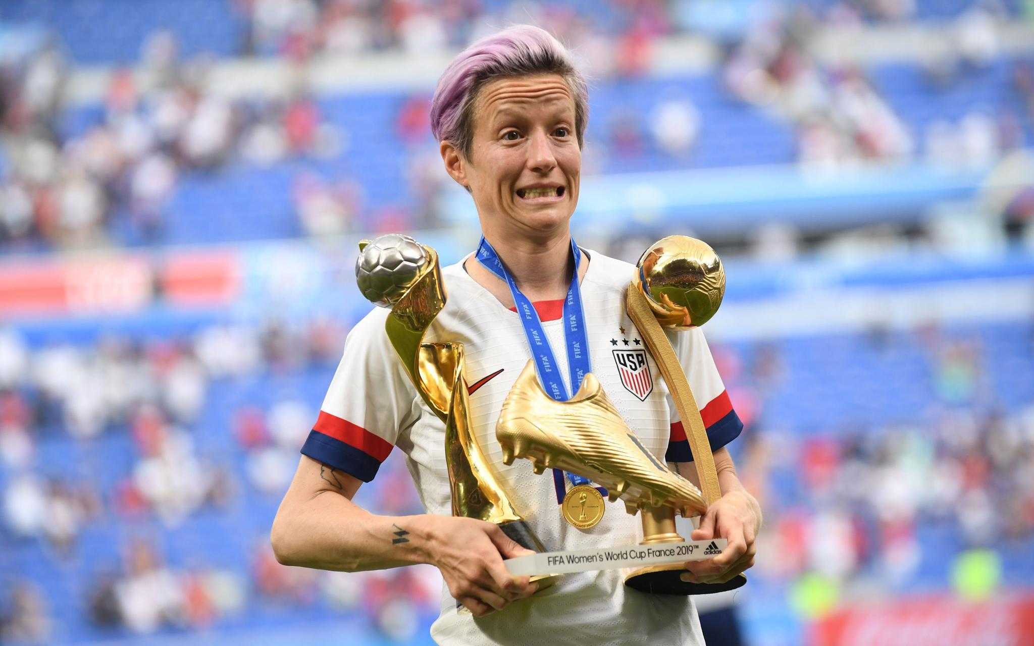 美国女足队长荣获金球奖 她曾与特朗普爆口水战