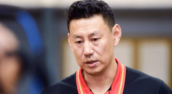 中国男篮主帅李楠。