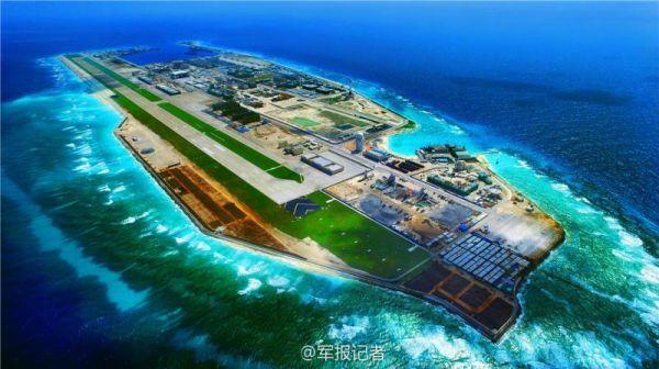 """资料图片:《解放军报》官方微博""""军报记者""""发布的永暑岛航拍照片。(《解放军报》)"""