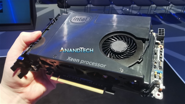 "Intel展示模块化PC电脑概念产品""The Element"""