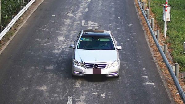 另一辆碰瓷诈骗车辆。