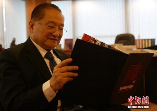 2007年6月28日,金庸先生在香港接受中新社记者专访。中新社记者 任海霞 摄