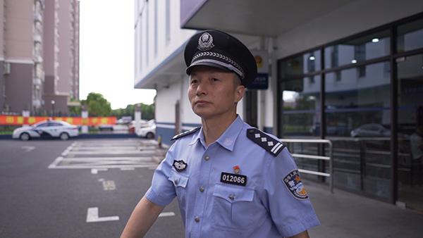 日本61岁男子和父亲遗体生活1个月:怕剩自己一人