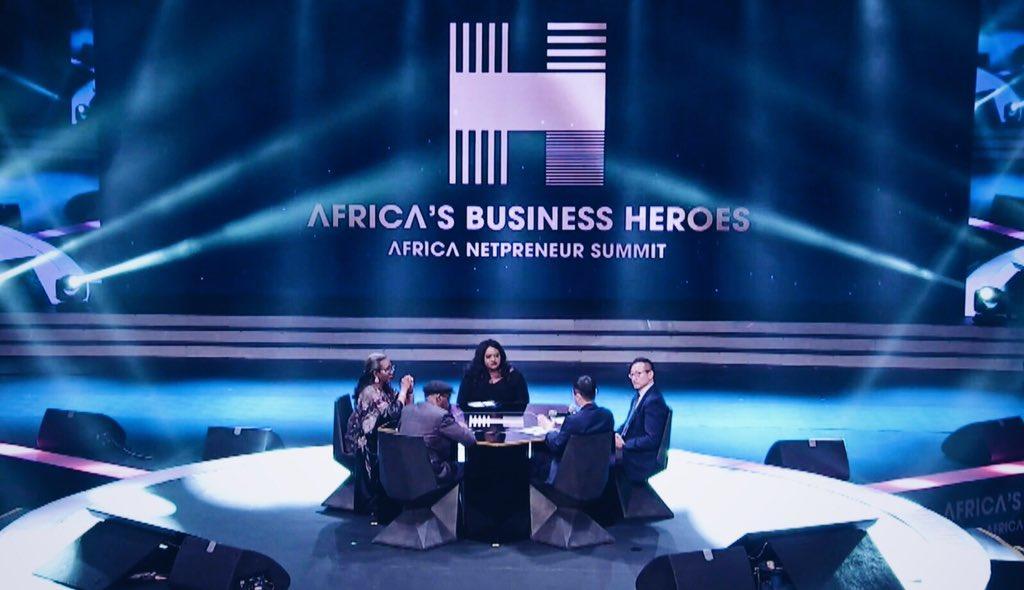 """▲总决赛以电视节目的形式呈现,这档名为""""非洲商业英雄""""的节目随后也将在电视上播出。图据ANPI官方推特"""
