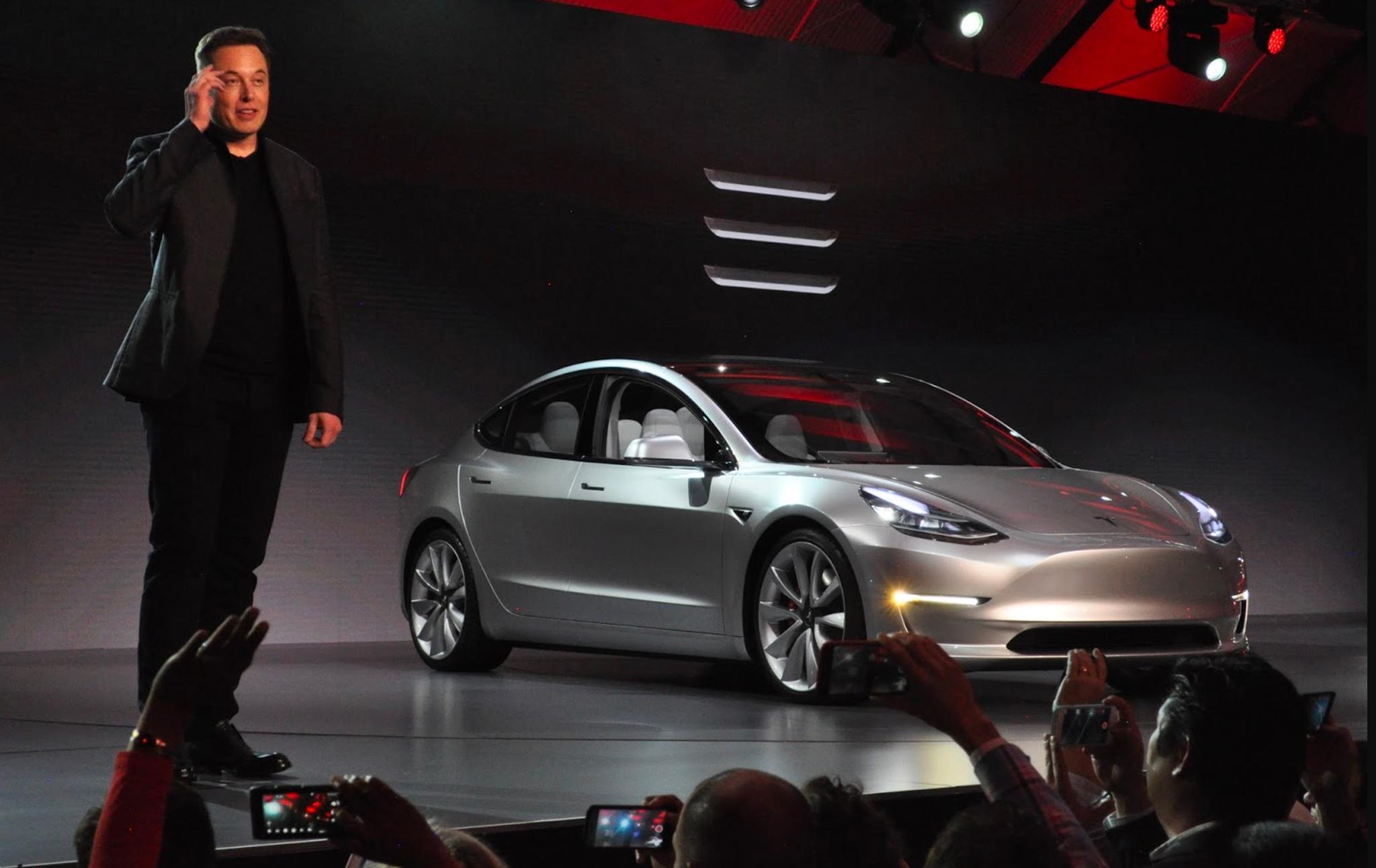 材料图:马斯克以及Model 3
