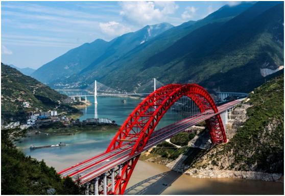 秭归长江大桥:峡江飞跨致富桥