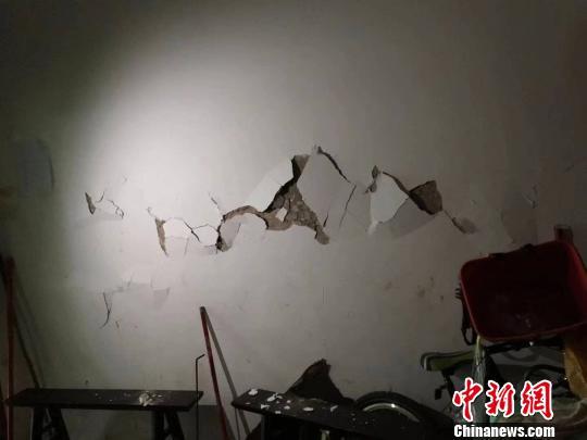 地震后房屋受损。 珙县宣传部供图