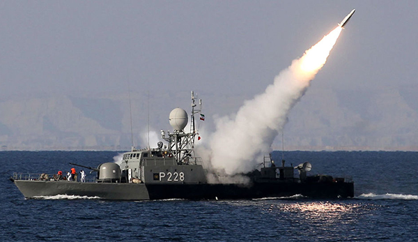 伊朗将在霍尔木兹海峡进行大规模军演,潜艇飞机均参加