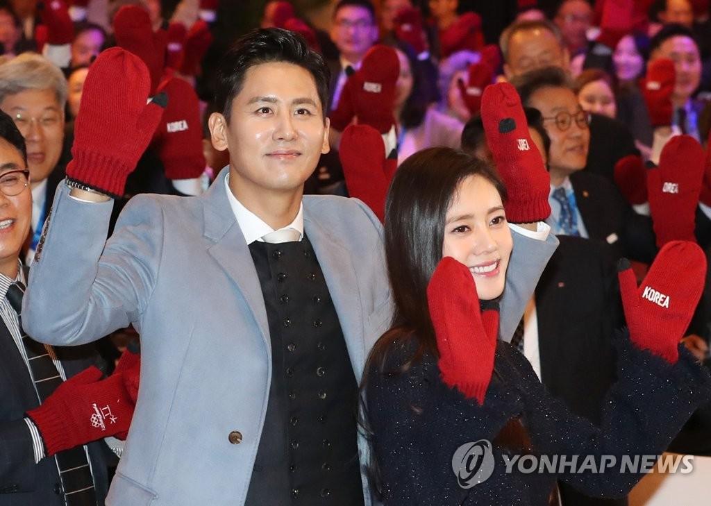 于晓光和秋瓷炫是一对备受关注的中韩夫妇。(韩联社)
