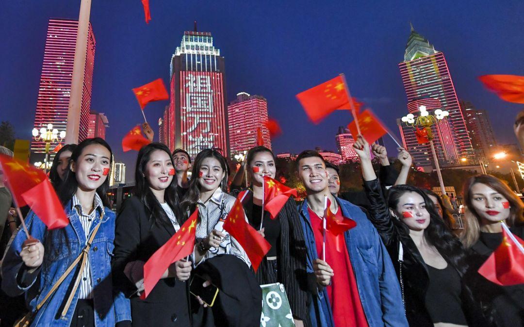 """媒体:以后英国""""妖魔化""""中国前先想想自己多失败"""