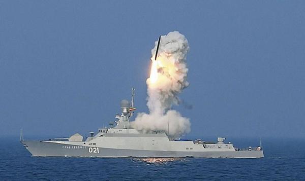 21631型导弹舰发射巡航导弹。