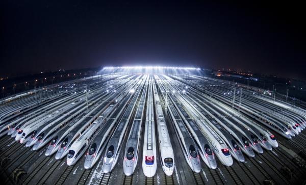 2019年1月5日0时首,全国铁路将实施新的列车运走图。 新华社 图