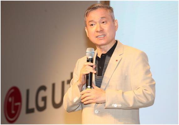 """原料图:""""LG U """"副会长河炫会(图片:《韩国日报》)"""