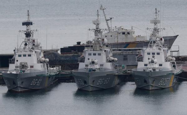 乌克兰三艘军舰遭扣押