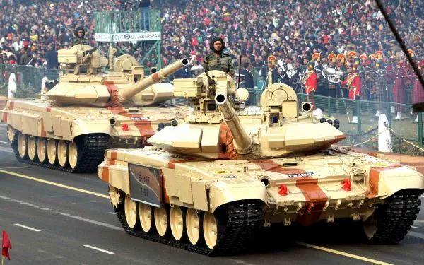 ▲资料图片:印度陆军T-90坦克方队