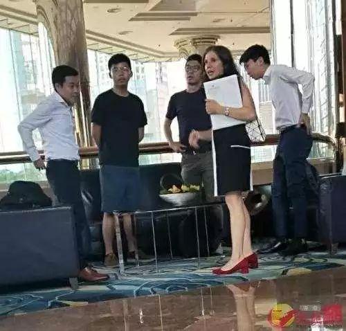 香港机场非法集结前11小时 他直播煽动暴徒机场见