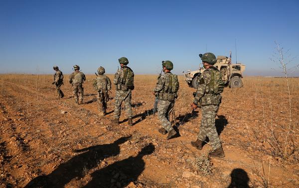 美国从叙利亚撤军:从资助反对派到驻军两千人的7年