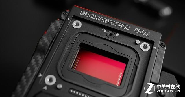 RED最新的8K传感器为MONSTRO 8K VV,传感器尺寸比全画幅相机尺寸更大