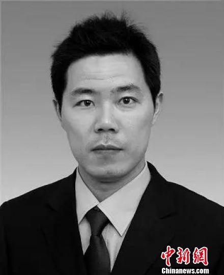 顾越生于1975年3月,生前担任玉环市市场开发服务中心党支部书记、副主任。玉环供图