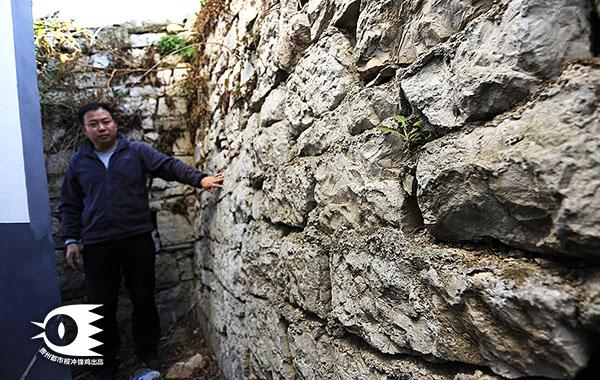 芦荻哨村周围的部分建筑还保留有老城墙。