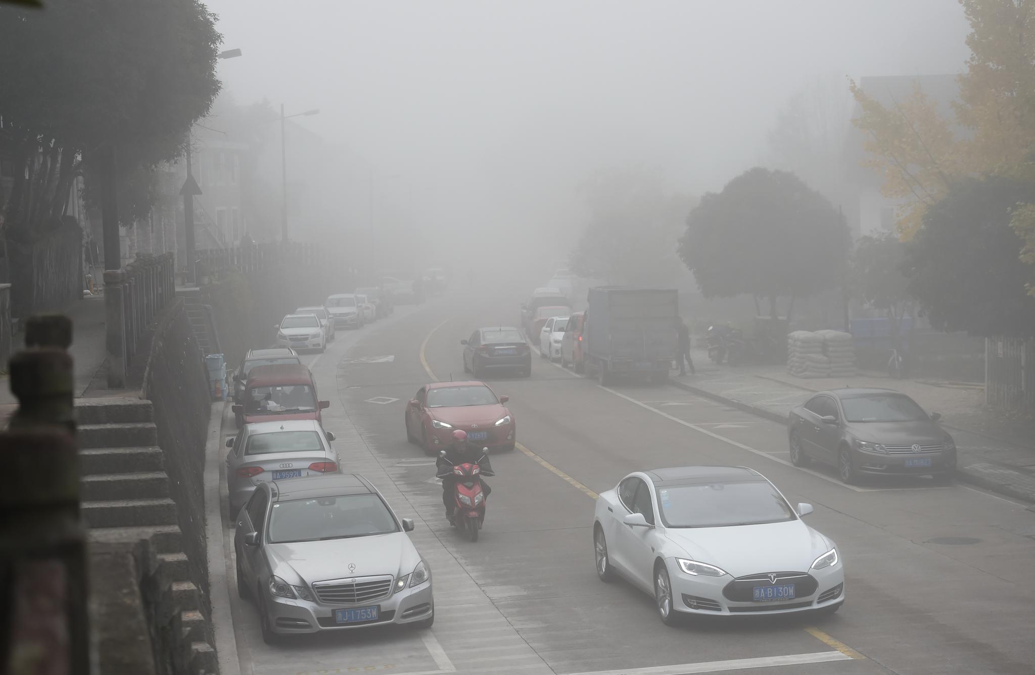 全国支援为何还是缺口罩?一只口罩抵达武汉,到底有多难