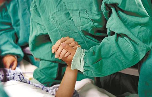 大学生脑死亡捐器官救助3人 父母:希望别家能幸福脑死亡毛建伟因车祸